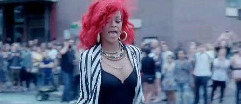 Rihanna - Red Bob